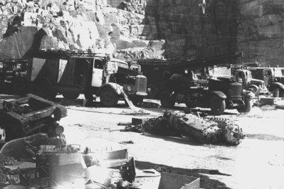 Camions abandonats a la pedrera de Mauthausen