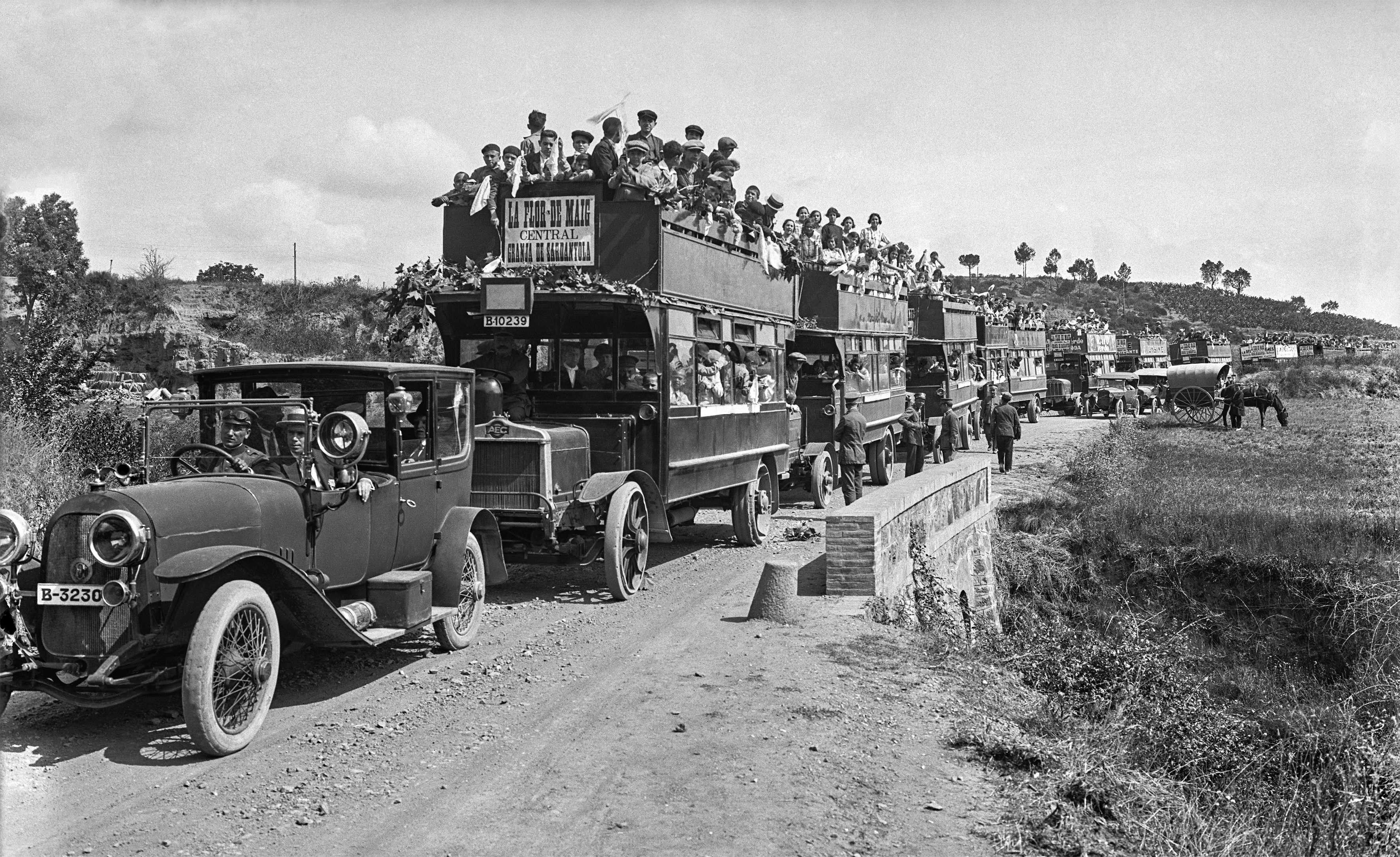 Comboi massiu en motiu de la III Diada Internacional de la Cooperació de 1925.