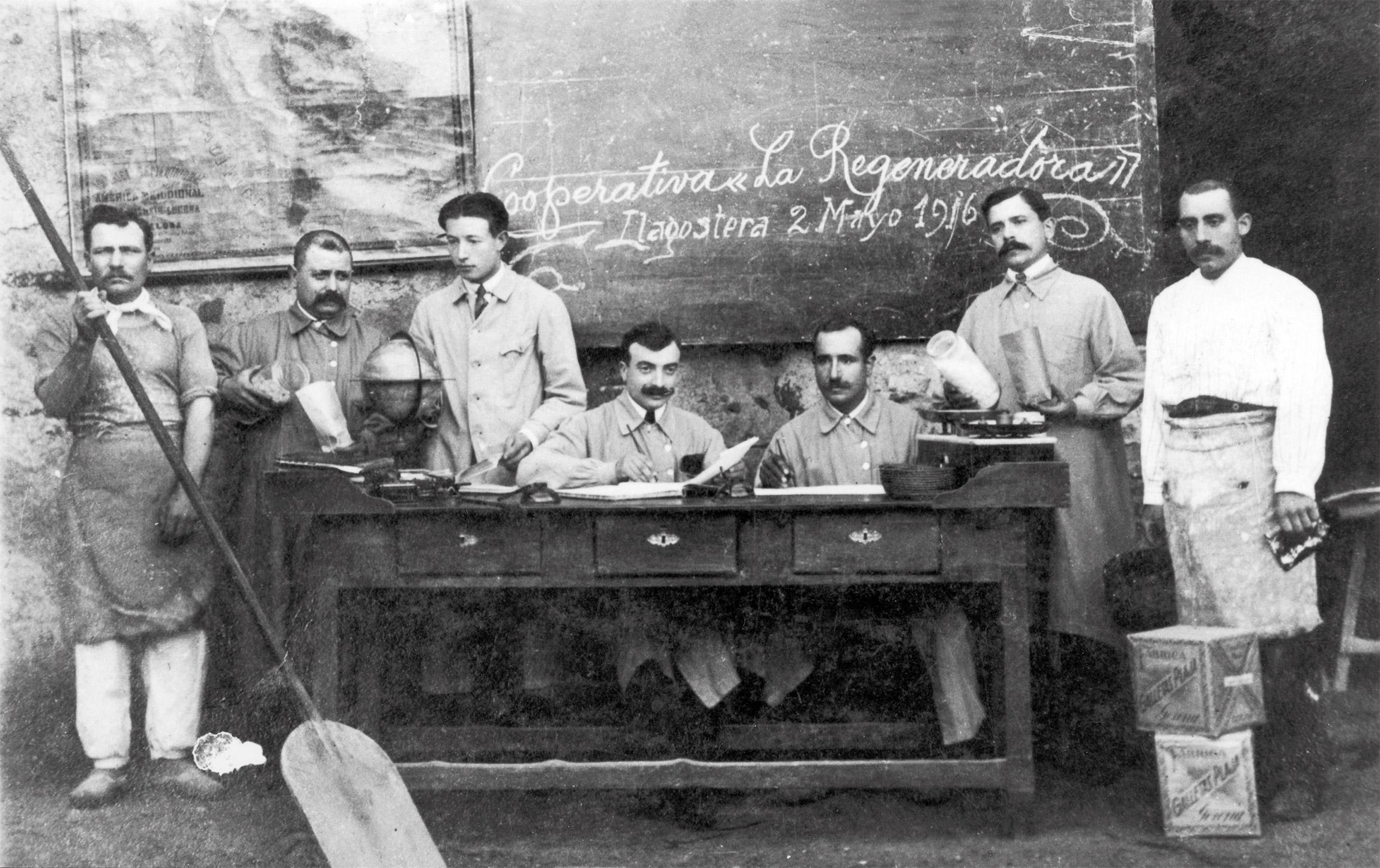 Personal de la Cooperativa La Regeneradora de Llagostera