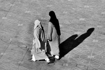 Dues dones
